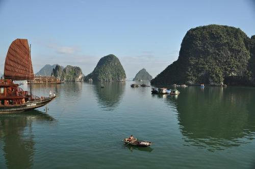 Halong Bay: Photo from Flickr Creative Commons.