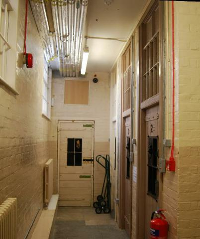 Holding cells, Guildhall